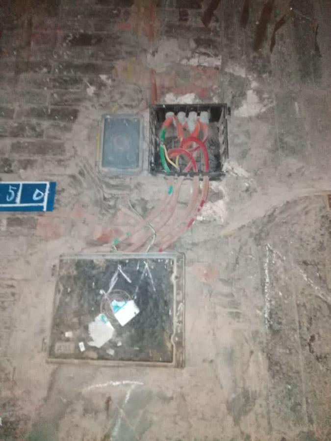 Elektrischer Anschluss am Haus