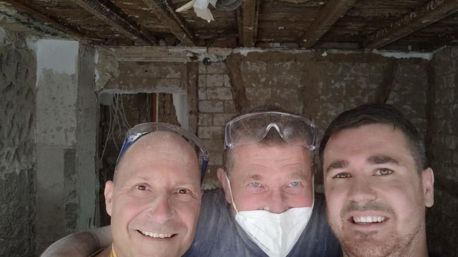 3 freiwillige Helfer